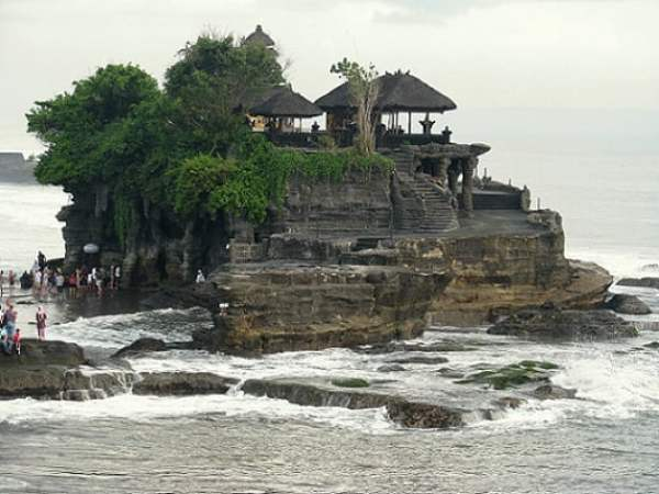Travel-to-Bali-Tanah-Lot-Glimpses-of-The-World
