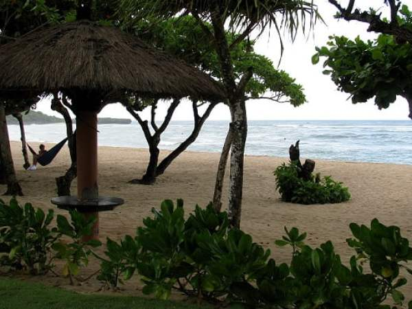 Travel-to-Bali-hotel-beach-Glimpses-of-The-World