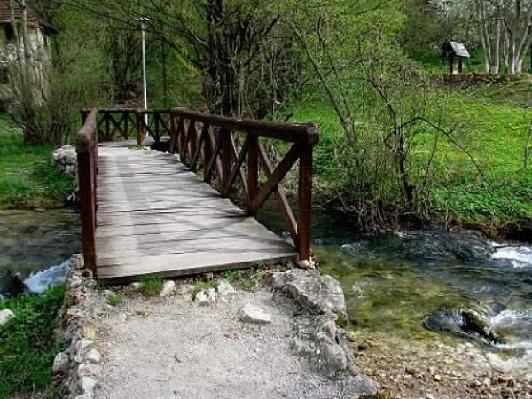 Serbia-travel-Despotovac-Veliko-vrelo-Lisine-Glimpses-of-The-World