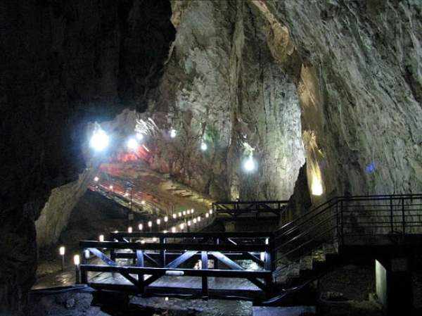 Serbia-travel-Zlatibor-Stopica-Cave-Glimpses-of-The-World