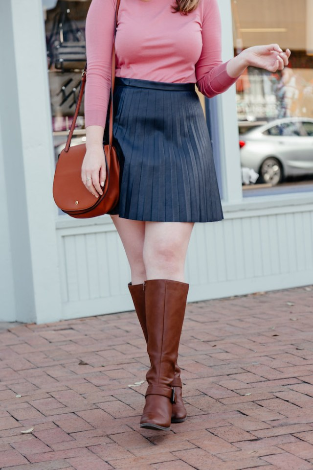 How to Stay on task When Working From Home, Dallas blogger spring outfit inspiration, Aerosoles riding boots, comfy boots for spring