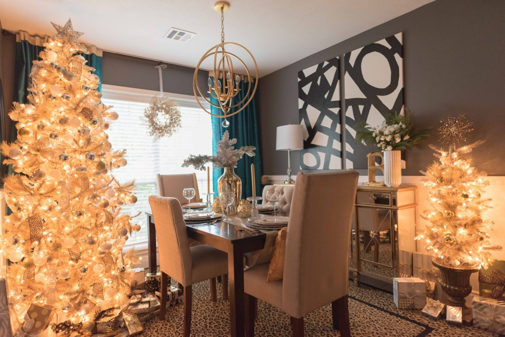 Christmas 2016: Breakfast Room Decor - Glittered with Design Blog