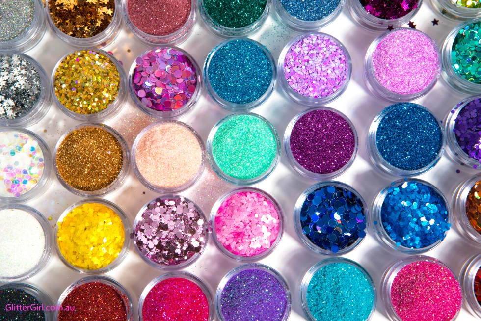 how to put glitter on makeup