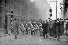 The Band and Drums, 1st Battalion Worcestershire Regiment lead the March to the Tower of London