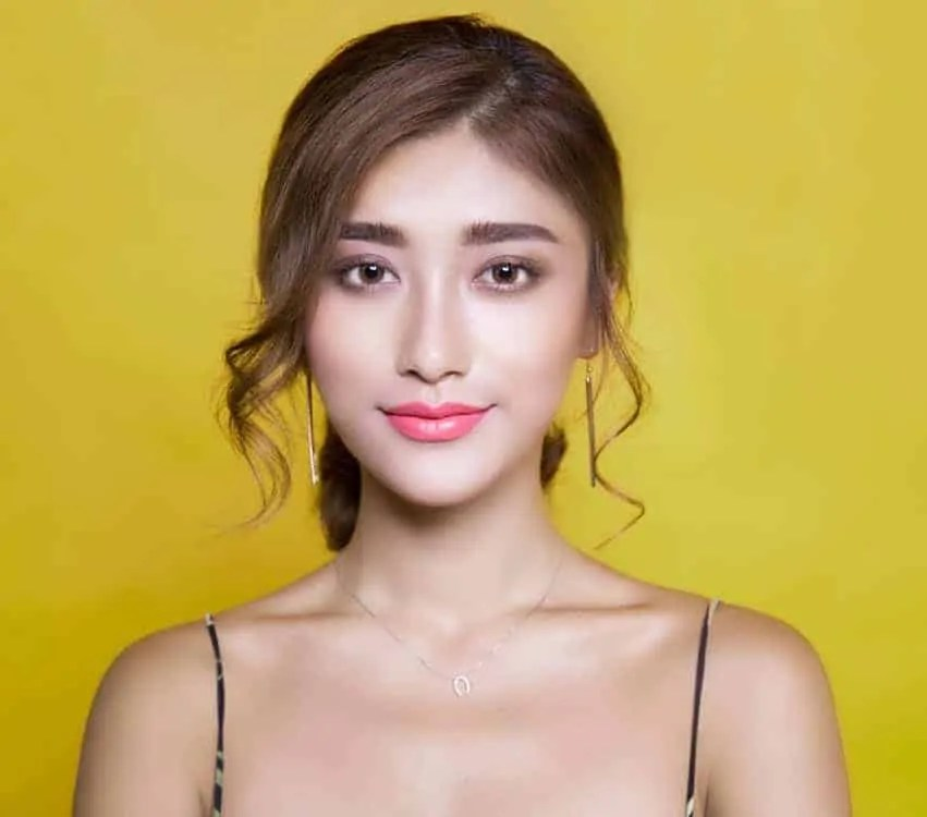 10 top beauty trends for Spring Summer 2018 cherry pop lips