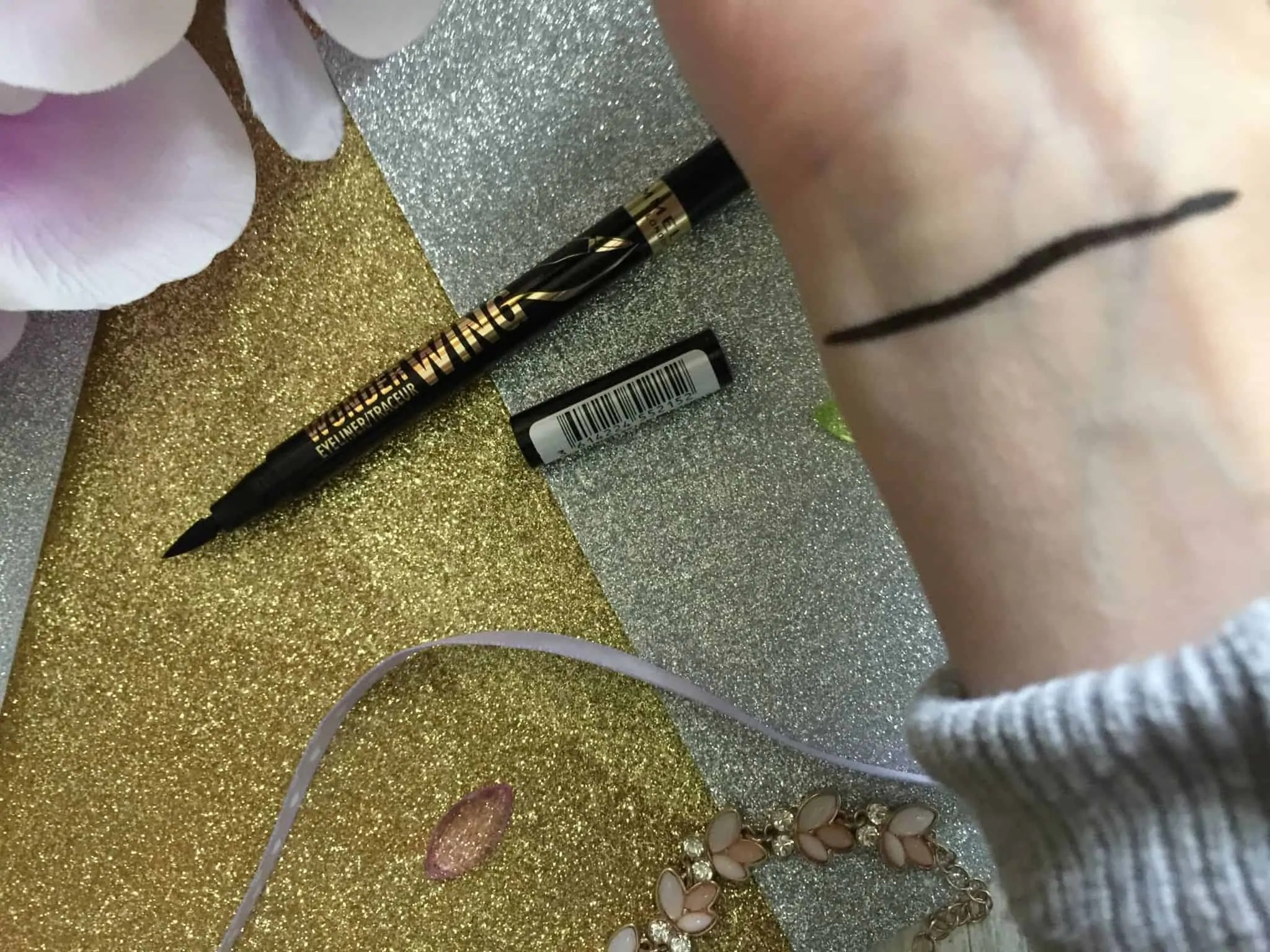 rimmel wonder wing eyeliner swatch