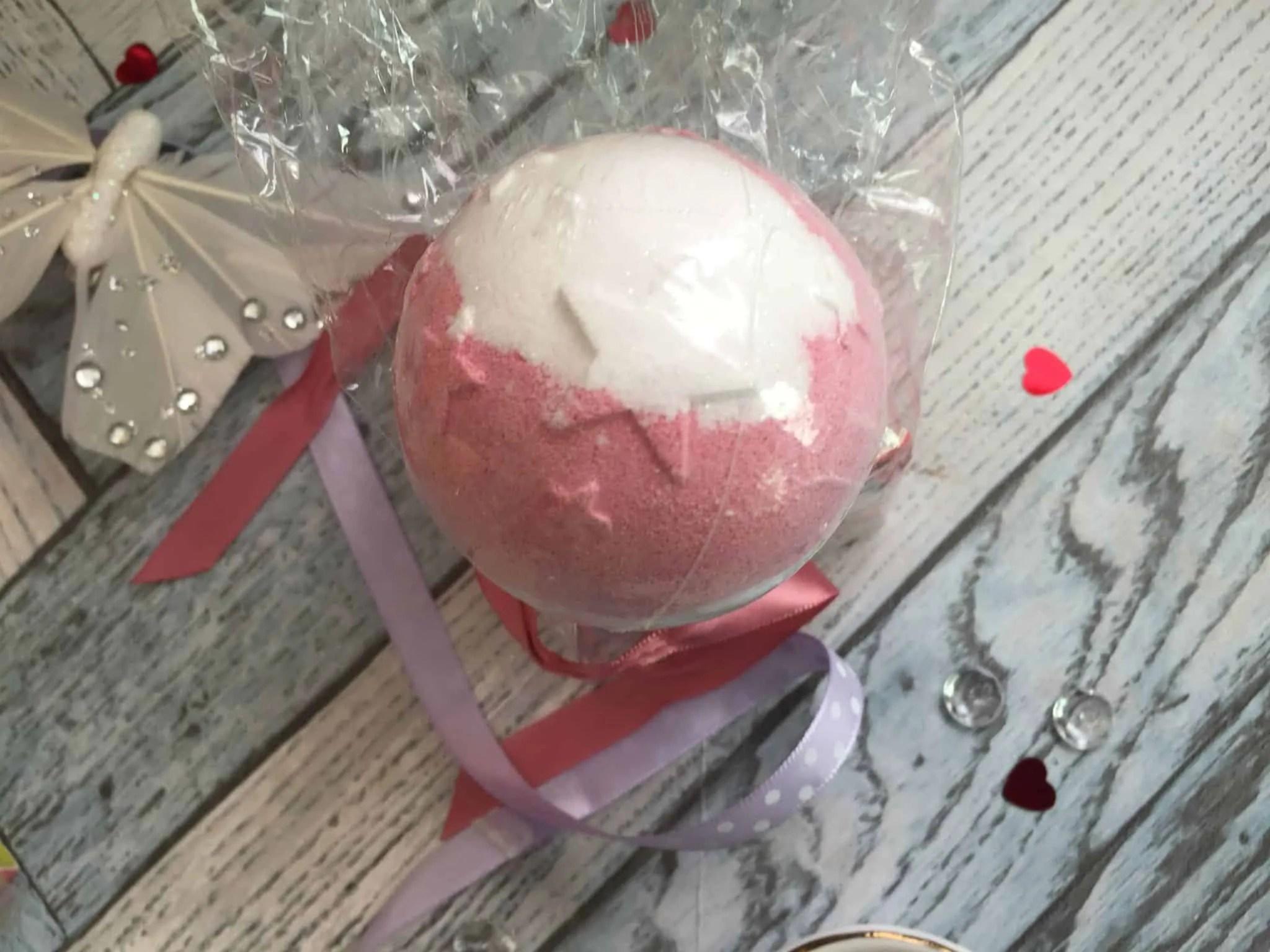 soap and glory fizz a ball original rose and bergamot bath bomb