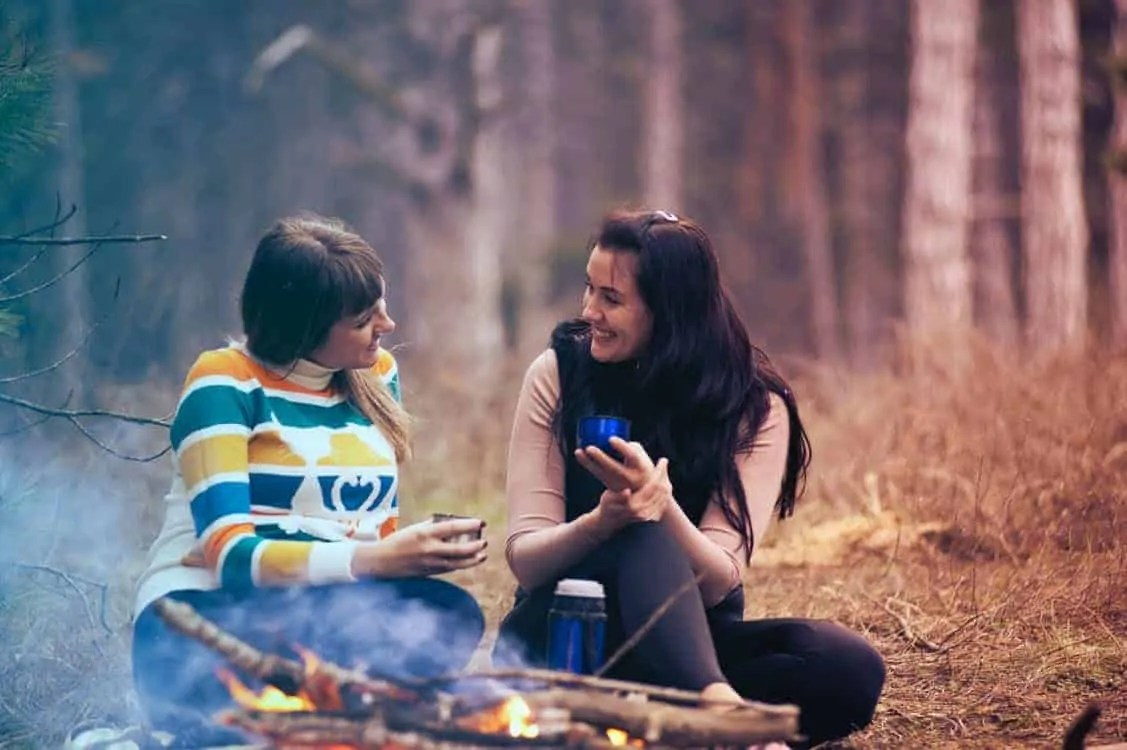 5 things to do with your friends to liven up a dull winters day bonfire