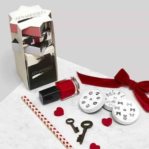 the ultimate valentines day 2018 beauty gift guide hopelessly in love nail art gift set