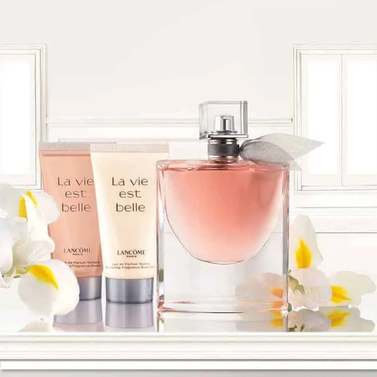 mothers day gift ideas jewellery and beauty lancome la vie est belle perfume set