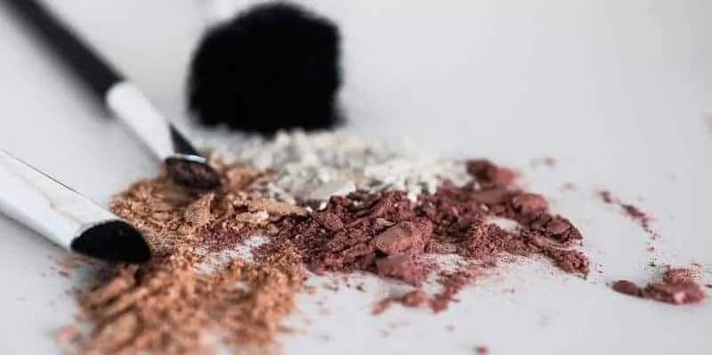 5 easy ways to declutter your makeup bag