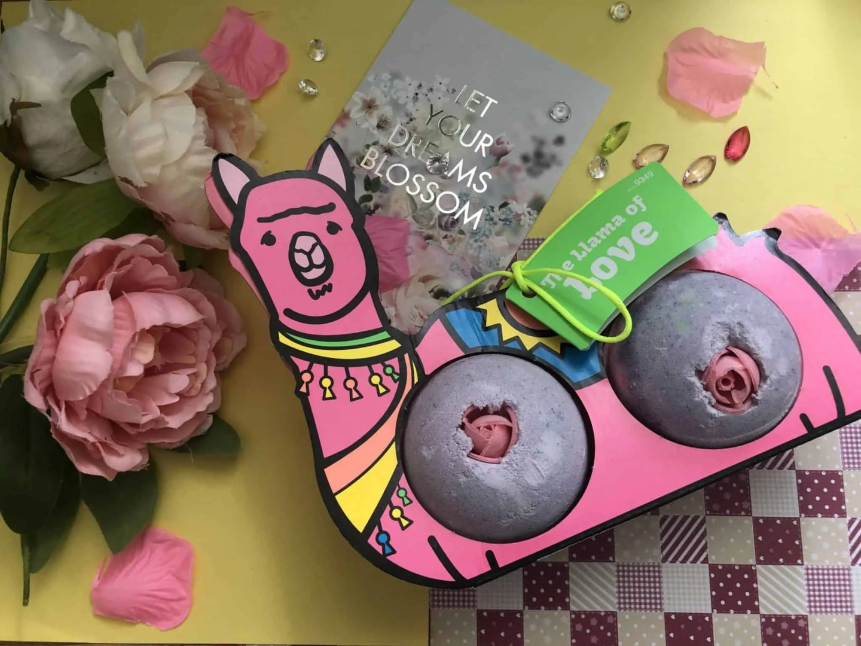 Lush Valentine's haul Win a Llama of Love bath bombs gift set
