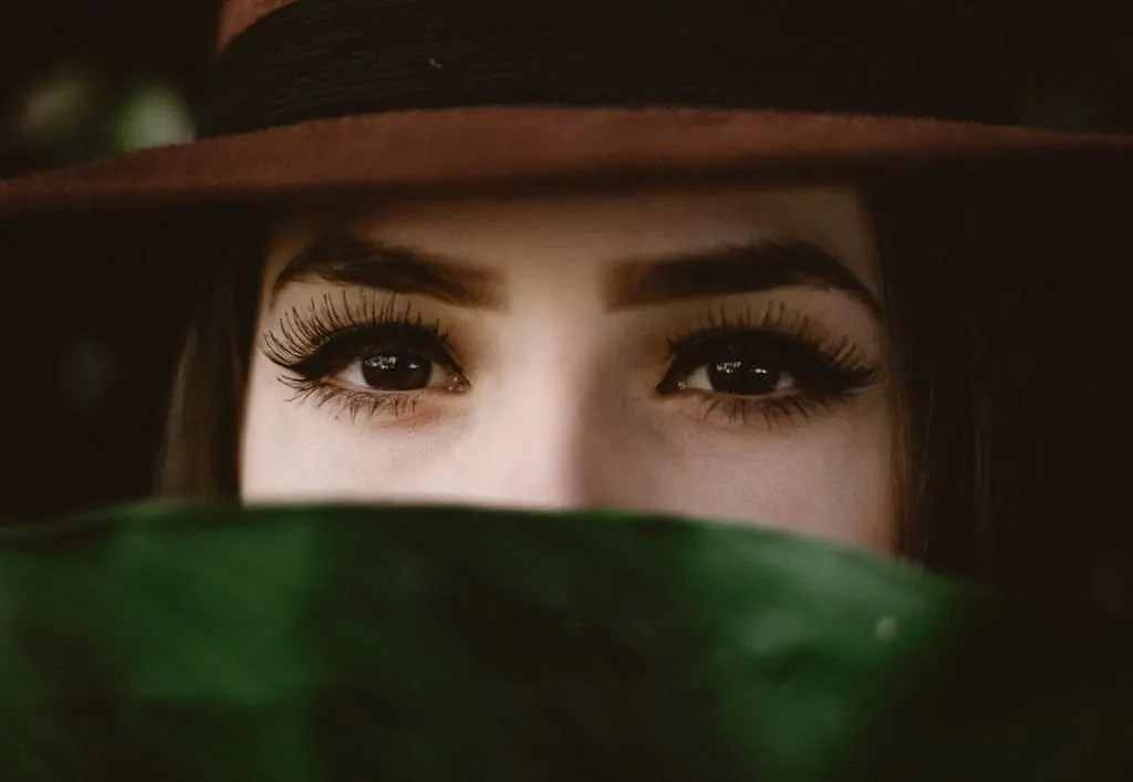 How to make your lashes appear longer