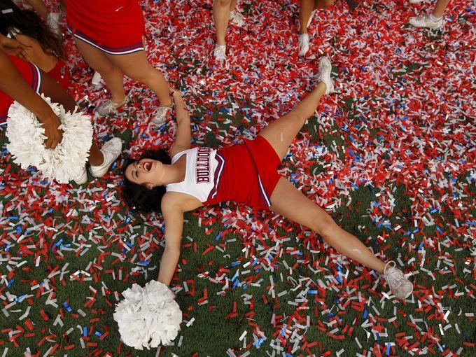 Fresno State Bulldogs cheerleader
