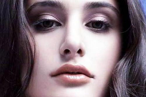 Beautiful Lips in Bollywood