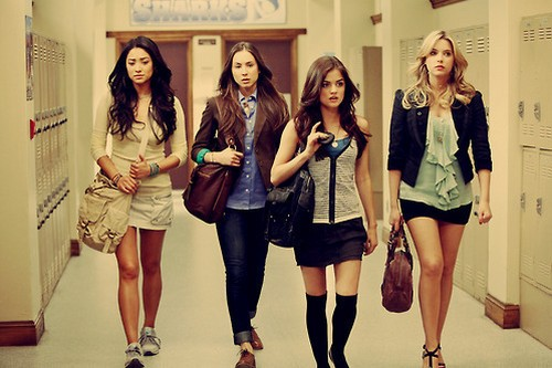 Become the Most Stylish Girl in School