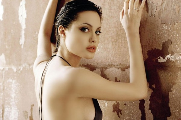 Angelina Jolie Hot Sexy Young Pics