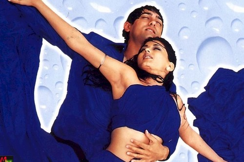 Aamir and Sonali Hottest Pose