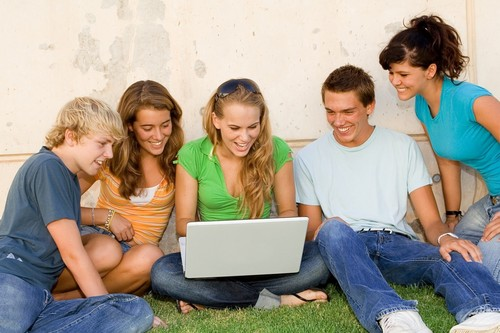 10 things that people do on social networking site