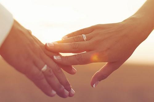 Make Your Wedding Anniversary Romantic