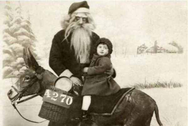 Creepy Santa Disturbing Online Photos