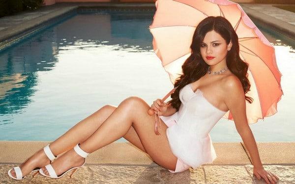 Selena Gomez Hot Body