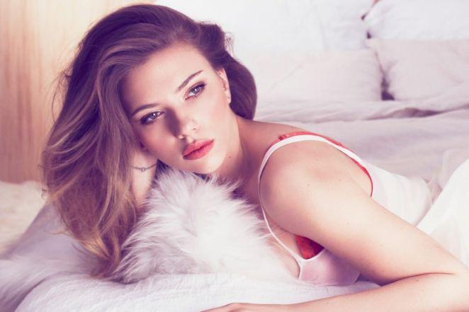 Scarlett Johansson Hottest Women in the World 2019