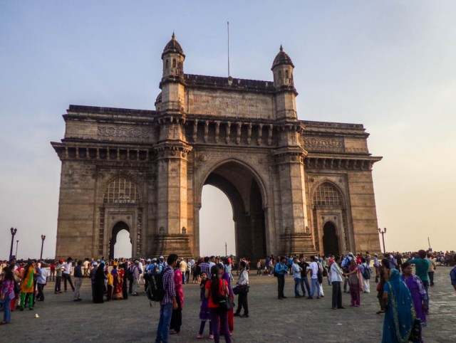 gateway of india is a must do things to do in mumbai