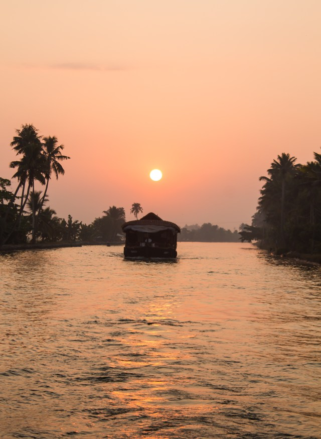 sunset kerala backwaters house boat