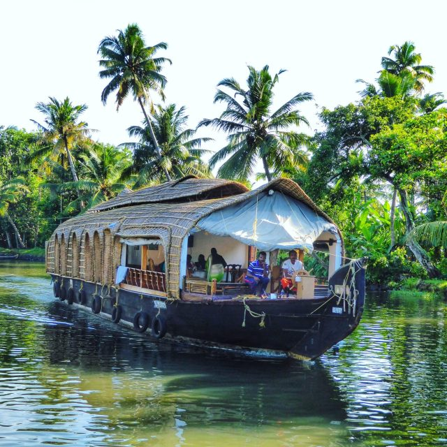 Kerala Places To Visit: A Flashpacker's Travel Guide To Kerala