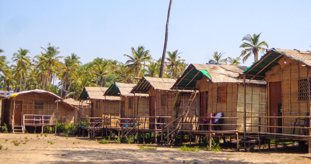 bamboo beach huts in Arambol