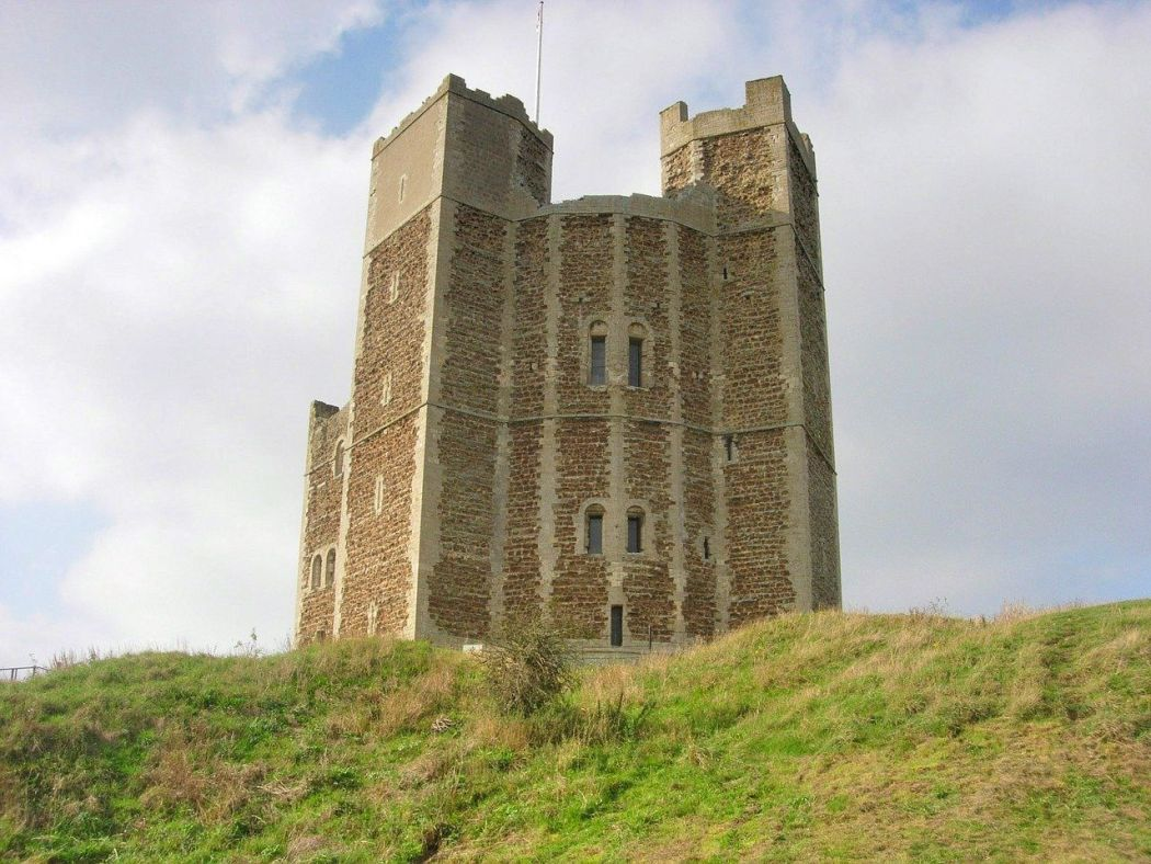 orford castle best places to visit in suffolk