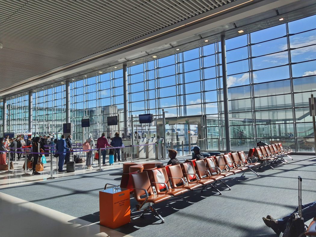 charles de gaulle airport covid 2021