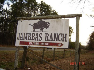 The entrance to Jambbas Ranch where many cruel animal violations have taken place. Photo Credit: Flickr