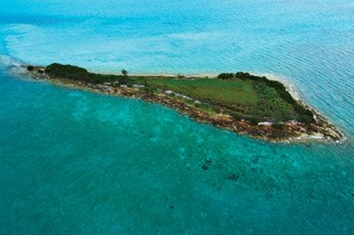 The South Berry Islands Marine Reserve in the Bahamas serves as the researchers tagging grounds. Photo Credit: Marc Ostrick