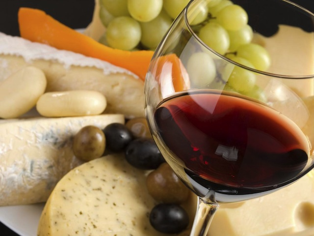 Wine, cheese and grapes medley./Photo credit: generalcode.com
