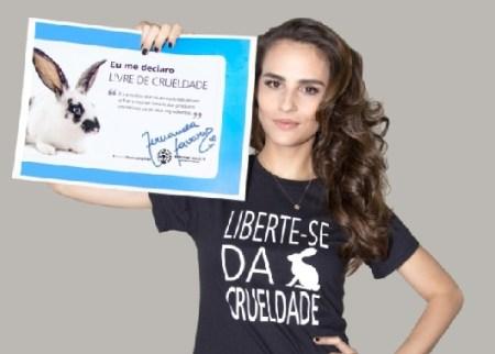 Supermodel Fernanda Tavares poses for ads supporting Humane Society International (ANIMAL WELFARE/COSMETICS TESTING)