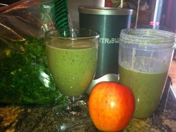 Adding some oats to your vegetables and fruits gives your morning smoothie some added bulk to keep you more energized for the rest of the day./Photo credit: Lisa Singer