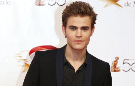 """""""The Vampire Diaries"""" star Paul Wesley urges pork industry giant Seaboard Corporation to stop the cruel and inhumane practice of using pig gestation crates./Photo credit: posh24.com"""