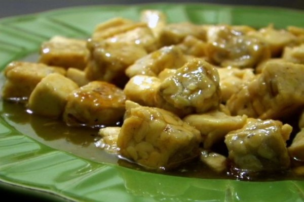 Using tofu and tempeh adds variety to the texture of the meal. (VEGAN/VEGETARIAN RECIPES)