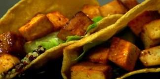 Try these tofu tacos for Cinco de Mayo! (VEGAN/VEGETARIAN)