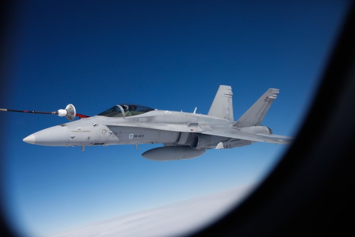 Saab unveils broad package for HX bid