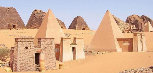 Pyramids built by Nubians