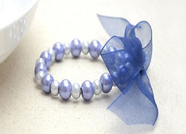 9 Steps to Make a Beautiful Ribbon and Pearl Necklace