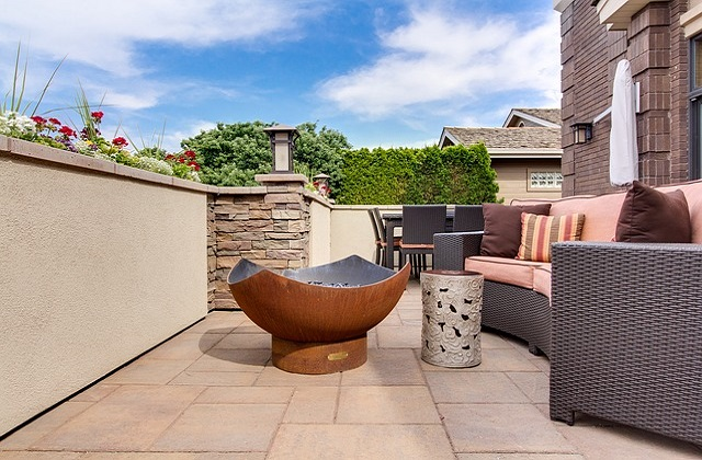 How To Choose Your Outdoor Couch