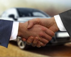 How to communicate with the car dealer while buying a car