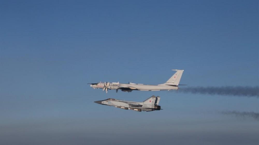 tu-142 and mig-31