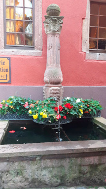 One of the many fountains around the town