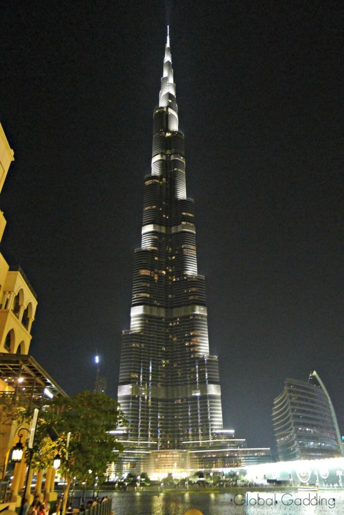 Night view of burj khalifa