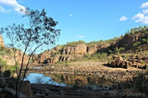 HOW TO CRUISE STUNNING KATHERINE GORGE IN AUSTRALIA'S NORTHERN TERRITORY